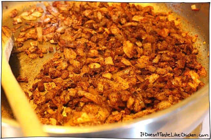 toast-spices-with-onion