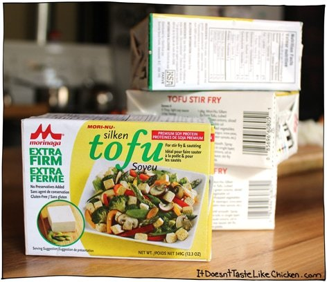 The Breakfast of (vegan) Champions! Tofu Scramble. The classic hearty vegan breakfast or brunch recipe.  #itdoesnttastelikechicken