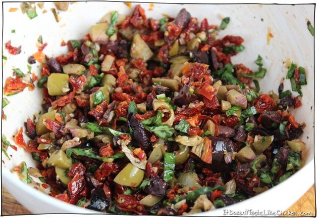 Olive-and-Sun-dried-tomato-rustic-tapenade-2