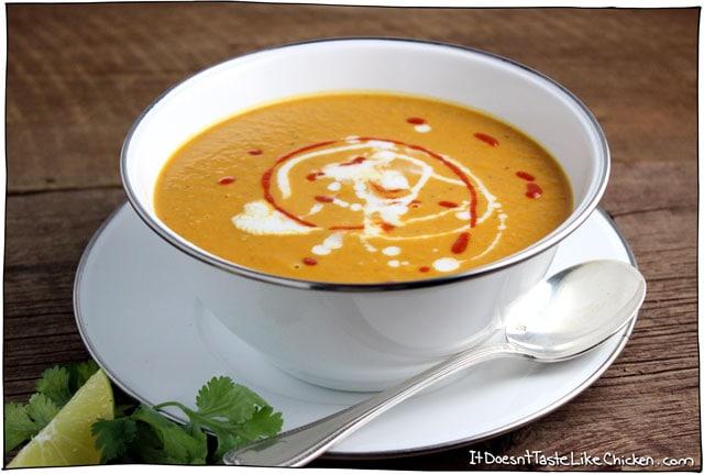 10-minute-thai-peanut-butter-and-pumpkin-soup-01