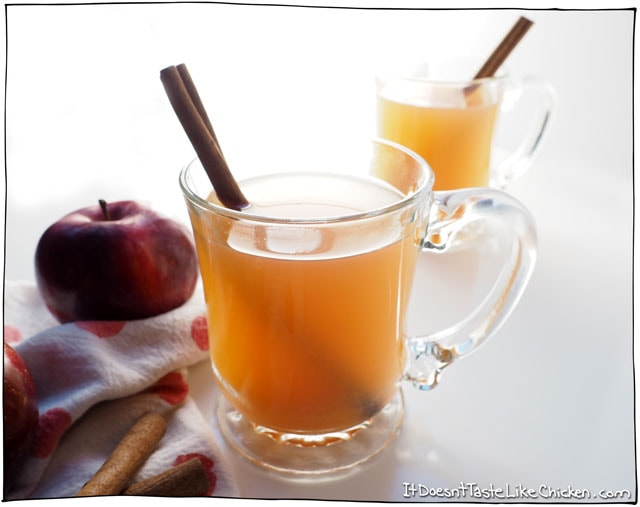Easy Homemade Apple Cider. Make this and your whole house will smell like heaven! Just chop up the fruit into quarters, chuck everything in a big 'ol pot (cores, peels, and all), and simmer for 2 hours. Strain out the fruit and spices and pour a warming cup of holiday cheer. #itdoesnttastelikechicken