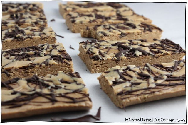 Peanut Butter & Chocolate Protein Bars. These taste exactly like the inside of a peanut butter cup! No bake and so easy to make! #itdoesnttastelikechicken