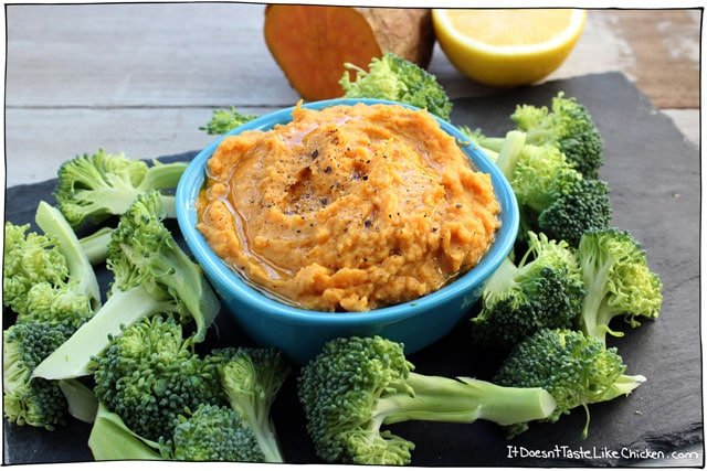 Sweet Potato Hummus! This is the perfect way to take hummus from boring to sensational. An easy recipe that can be prepared ahead of time with video instruction included. Makes a great party appetizer. #itdoesnttastelikechicken