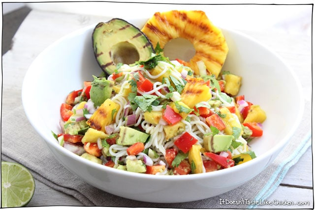 Grilled Pineapple and Avocado Noodles! This is PERFECTION for a hot summer day. Bursting with fresh summer flavours and light enough to not weigh you down. Vegan and gluten free. #itdoesnttastelikechicken
