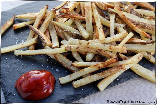 Crispy Baked French Fries! The key to oven crispy french fries are these 3 important (but easy!) tips... #itdoesnttastelikechicken