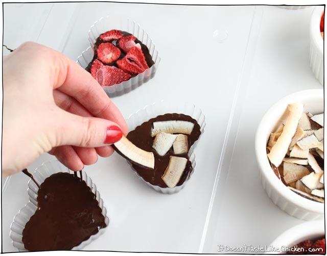 Easy Fruit Nut Vegan Chocolates It Doesn T Taste Like Chicken