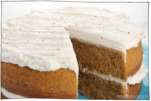 Vegan Pumpkin Spice Cake! This easy to make, super moist cake is the perfect dessert for Thanksgiving or to welcome the autumn season. Spread with fluffy pumpkin spice frosting or serve without. Dairy-free, egg-free. #itdoesnttastelikechicken