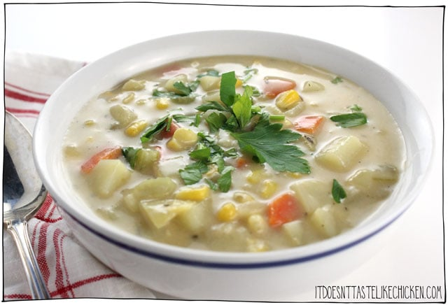 Easy Vegan Potato and Corn Chowder! Creamy, comforting vegetable chowder, perfect for a quick weeknight meal. Vegetarian, dairy-free. #itdoesnttastelikechicken