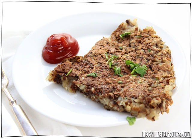 Vegan Hashbrown Potatoes! There are two tricks in this recipe to make these hashbrowns super quick and easy to make. #itdoesnttastelikechicken #veganrecipes #veganbreakfast