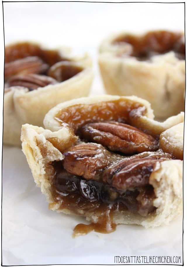 Easy Vegan Butter Tarts! The Canadian classic dessert made vegan. Tastes just like the traditional recipe but its egg and dairy free! Perfect for Canada day or any holiday treat. #itdoesnttastelikechicken #veganrecipe #vegandessert #canada