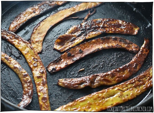 Banana Peel Bacon! A vegan bacon recipe made from the banana peels that you would otherwise toss away. Crispy, chewy, smoky, salty, slightly sweet, and has a subtle hint of banana taste which is actually quite delicious! Make this the next time you peel a banana! #itdoesnttastelikechicken #veganrecipes #bananapeel #veganbacon