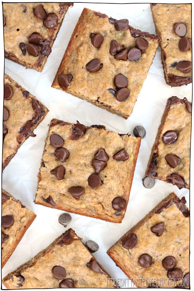 Vegan Chocolate Chip Banana Squares are the perfect after-school snack or easy dessert. Just 9 ingredients, 1 bowl, 30 minutes to make. Oil-free, dairy-free, egg-free! #itdoesnttastelikechicken #veganbaking #vegansnack