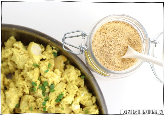 Tofu Scramble Spice Mix! Just 5 ingredients to make your own homemade spice mix that will make your tofu taste like eggs! Make ahead and have it ready to go so breakfast will be ready in a jiffy! #itdoesnttastelikechicken #vegan #tofu