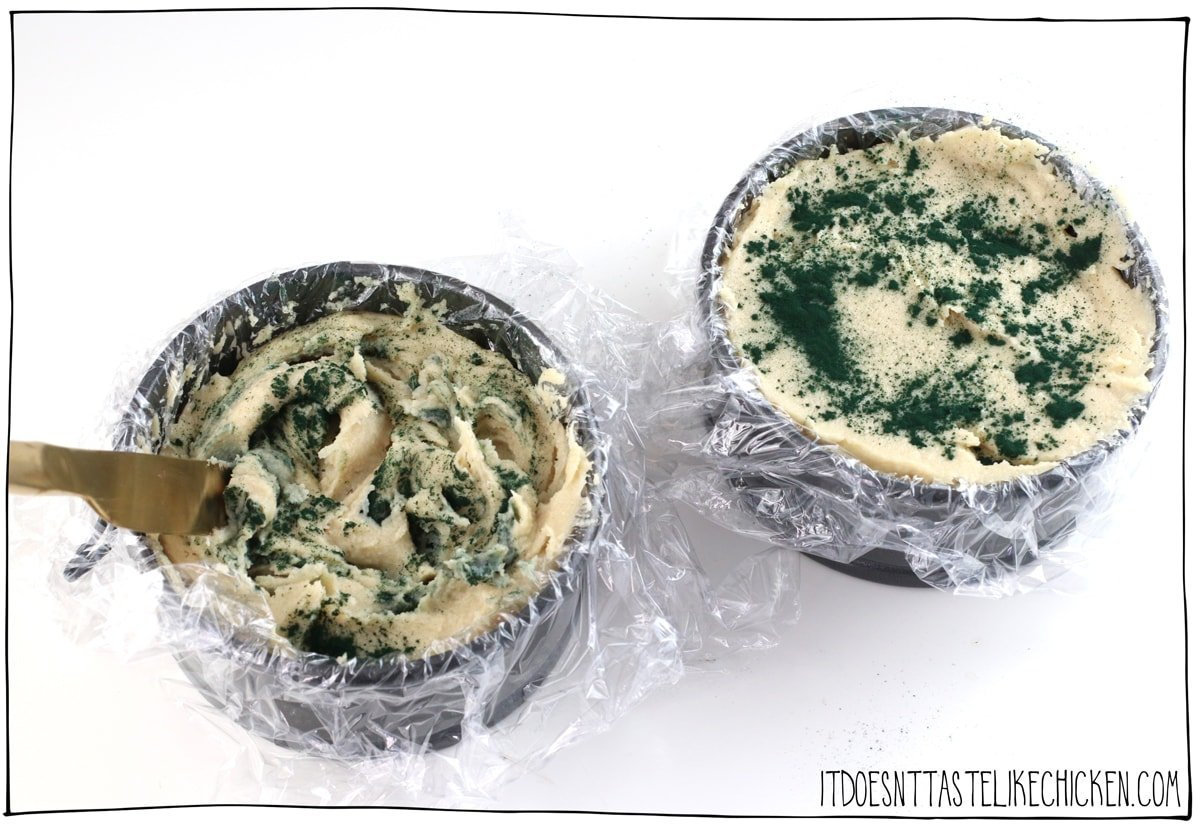 Mix the spirulina into the cheese to make blue-green veins