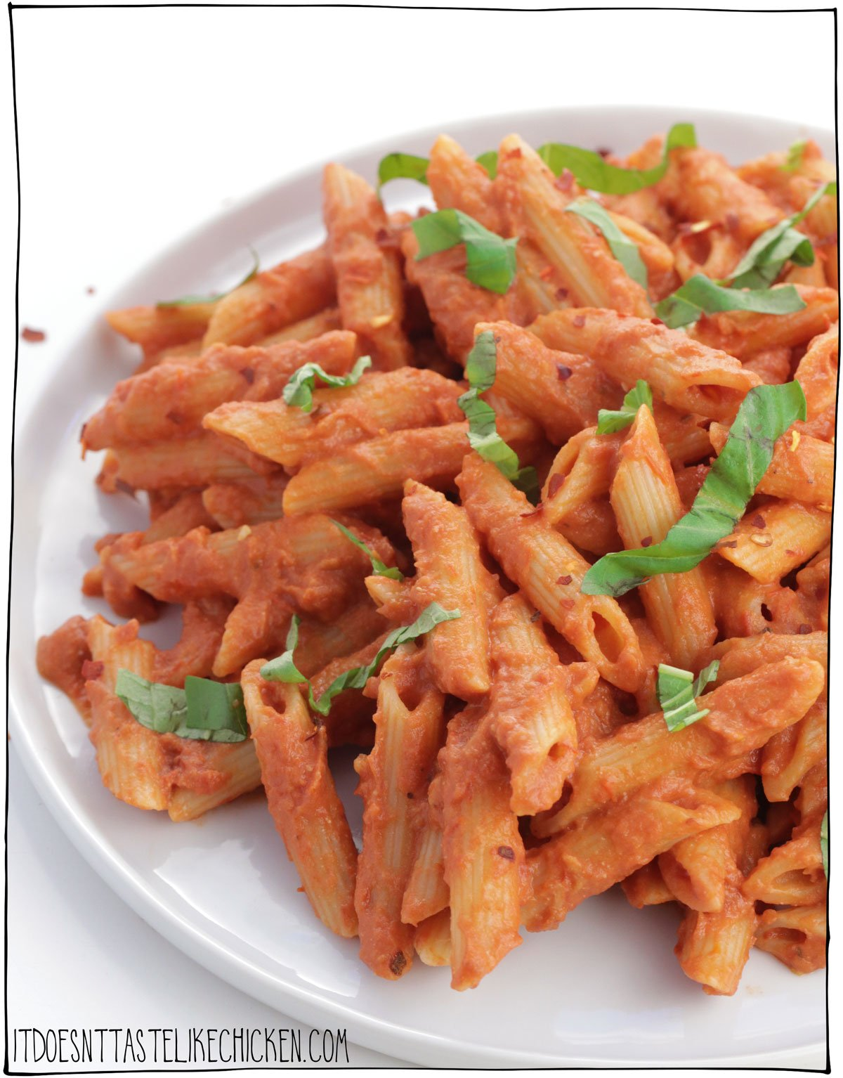 Easy Vegan Penne alla Vodka! Just 20 minutes to prepare, and only 10 ingredients! This pasta is rich, creamy, and oh so delicious. It can be made fresh, or the sauce can be prepared ahead of time and frozen for later. The perfect simple pasta dish for a fancy night in. #itdoesnttastelikechicken #veganrecipes